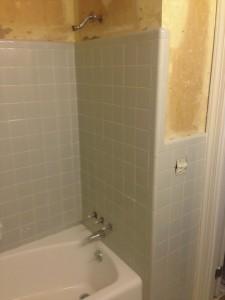 Before - Tile Refinishing-Amazing Bathtub Refinishing Raleigh North Carolina